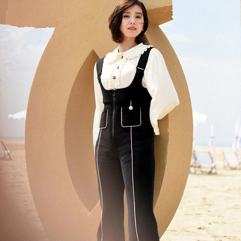 秋冬新款海军风白色裤筋双口袋菱格纹微喇丝绒背带裤