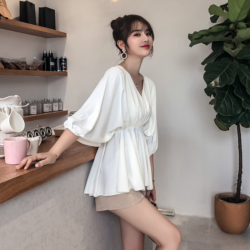 Spring and summer V-neck very fairy top foreign style chiffon shirt 2020 new red design sense of mind