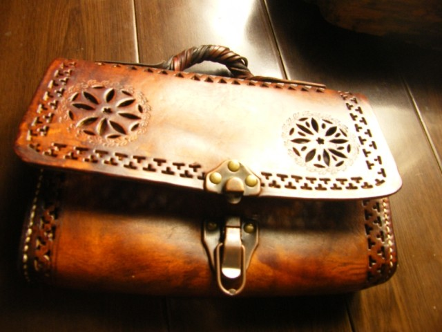 Customized original hollowed out bag pure hand carved bag Castanopsis leather antique vegetable tanned cow leather hand bag for women