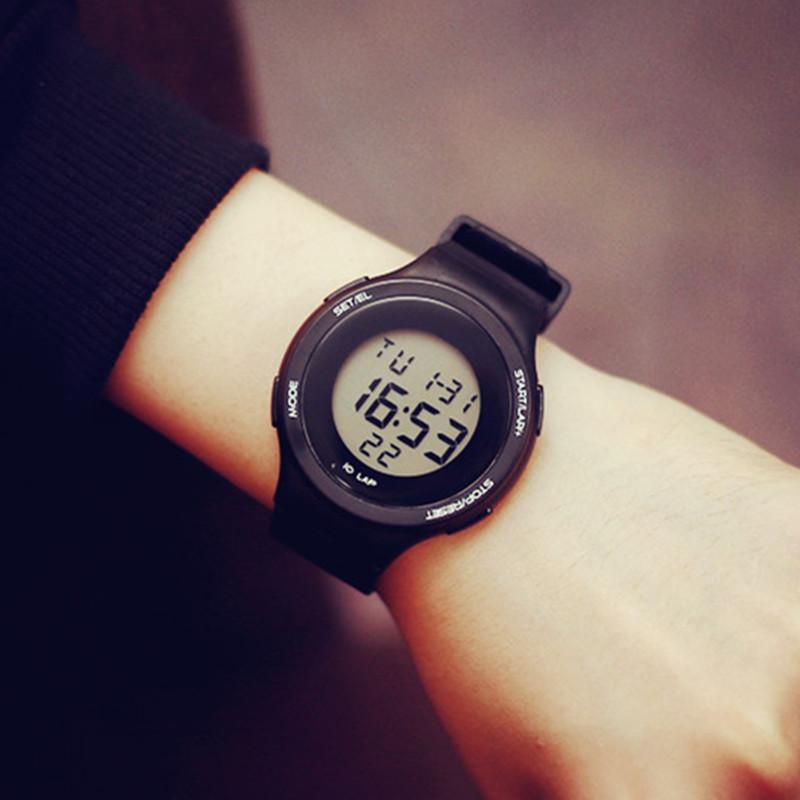 新款电子表韩国时尚男女学生户外登山运动手表防水多功能跑步闹钟