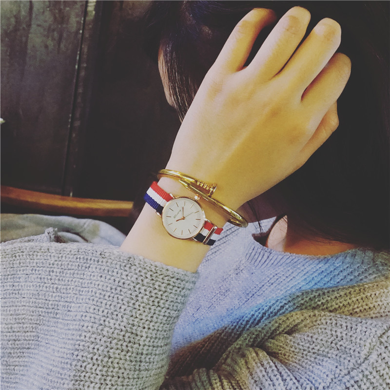 Womens test canvas watch Korean version simple and compact student trendy girl leisure European and American girlfriends a pair of Mini Watch