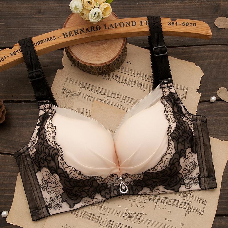 小胸聚拢文胸加厚无钢圈性感上托胸罩收副乳调整型少女士内衣薄款