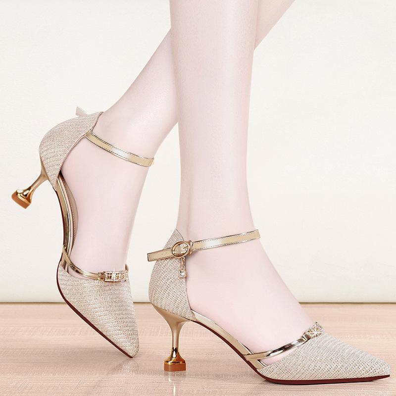 女式凉鞋尖头酒杯跟格利特包头一根带扣高根鞋时尚新款n07