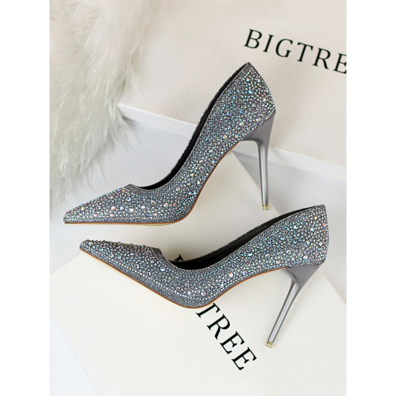 Qiansong Yitong crystal shoes wedding shoes brides wedding dress silver high-heeled shoes thin heel pointed point shining diamond single shoes woman