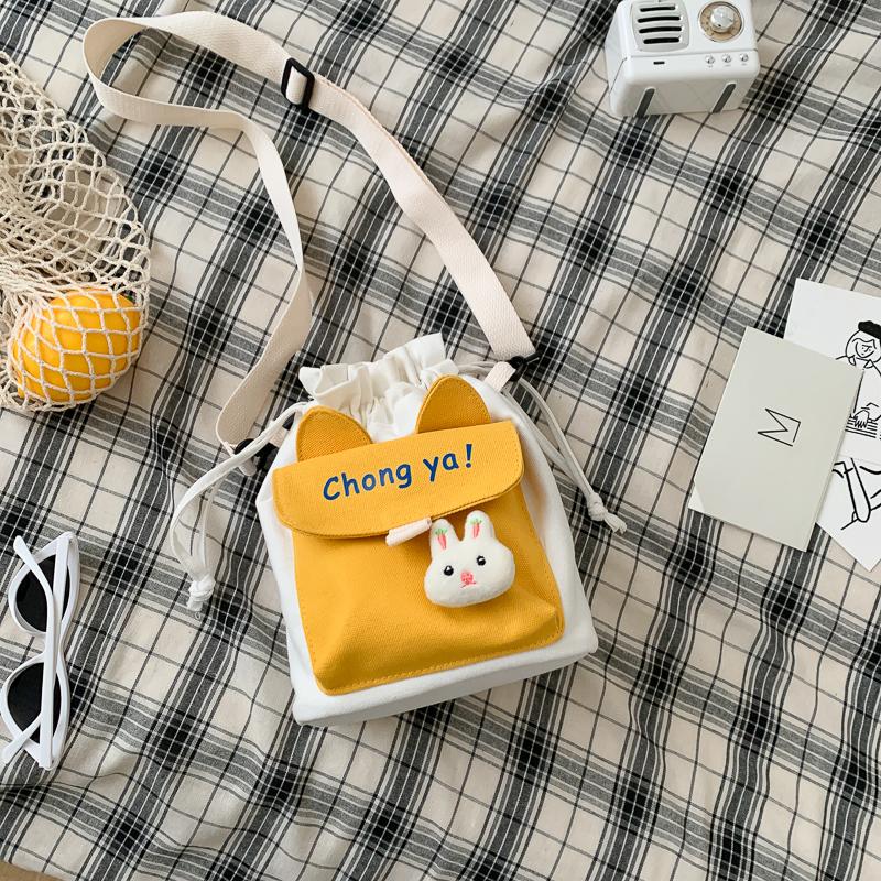 可爱小包包2020新款韩国ins女包原宿帆布斜挎包女学生单肩水桶包