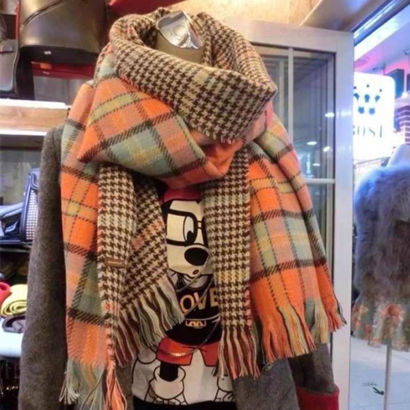 ��巾女冬季新款千�B格子毛��n版百搭加厚保暖�W生大披肩�捎��脖