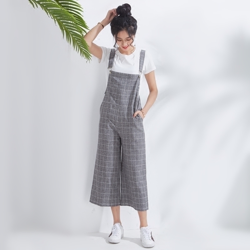 Spring and summer 2020 new Korean version nine point Plaid strap wide leg pants womens high waist students one-piece big size loose style
