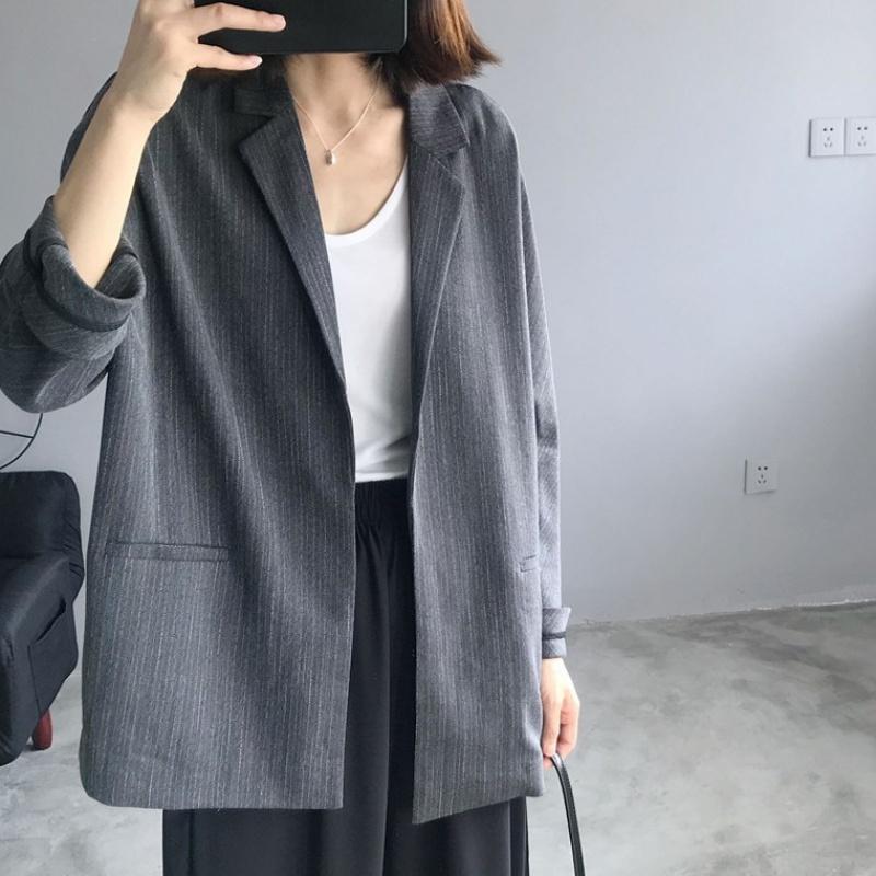 2020 spring new retro vertical stripe suit coat womens Korean casual loose suit handsome suit trend