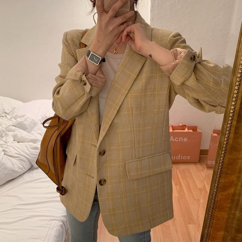 2020 new Hong Kong style casual Plaid Blazer womens spring and autumn thin ins Korean fashion suit looks thin