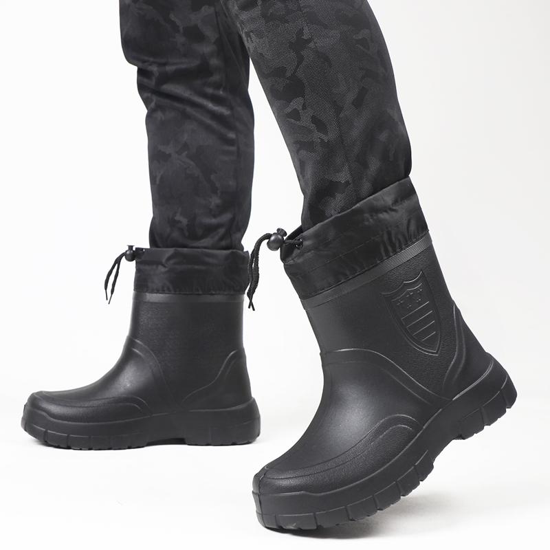 冬季水鞋男士加绒雨鞋白色轻便泡沫中帮厚底加棉雨靴短筒保暖胶鞋