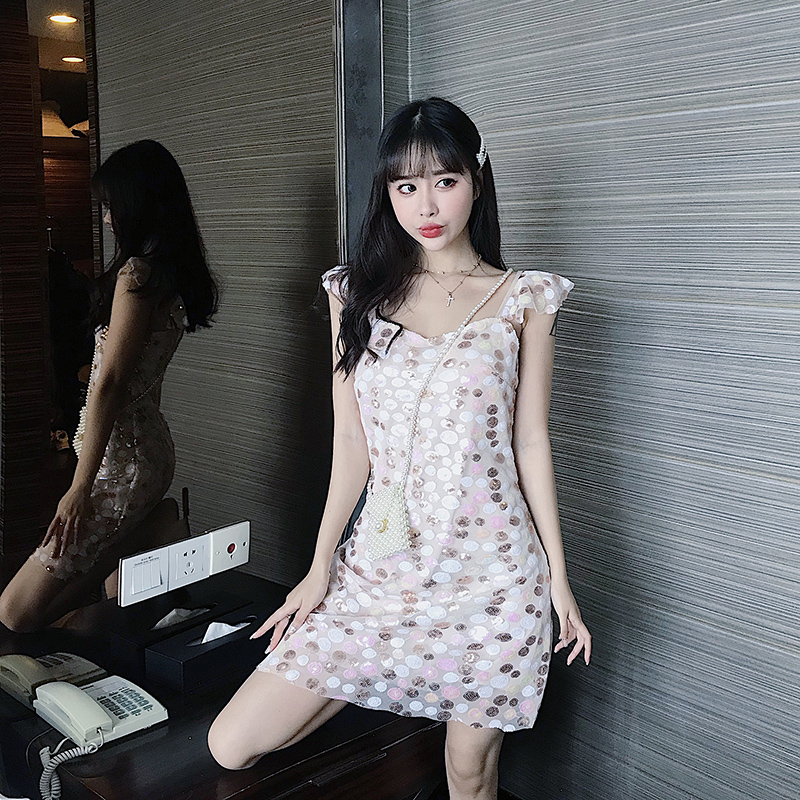 控价60元~实拍实价chic修身网红小清新吊带亮片仙气连衣裙女