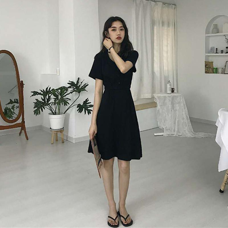 连衣裙女2019新款chic赫本风小黑裙收腰显瘦修身V领气质短袖中裙包邮