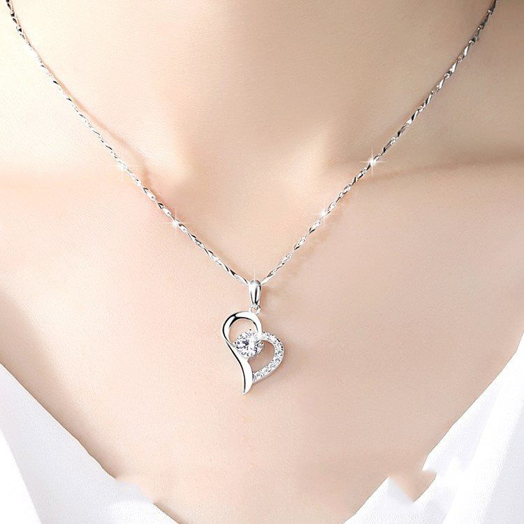 618 hot sale promotion Necklace female clavicle chain versatile gift to girlfriend fall in love with love charm simple temperament