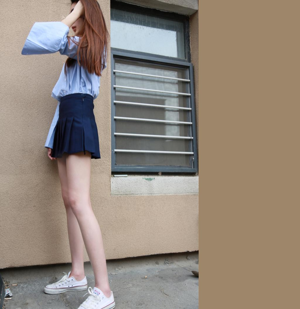 Self made campus style short skirt, light proof TB pleated skirt, versatile all year round, with safety pants
