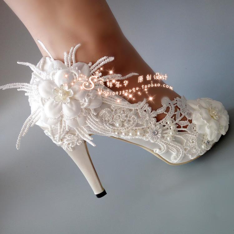 优雅白色花朵蕾丝水钻婚鞋高跟鱼嘴绸缎新娘水晶摄影拍照珍珠女单