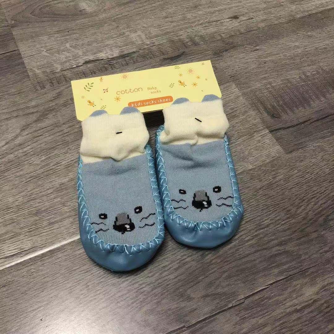 宝宝精品地板鞋袜