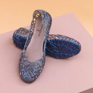 大码水晶塑料凉鞋女夏天2020年新款平底果冻鞋镂空透气鸟巢沙滩鞋