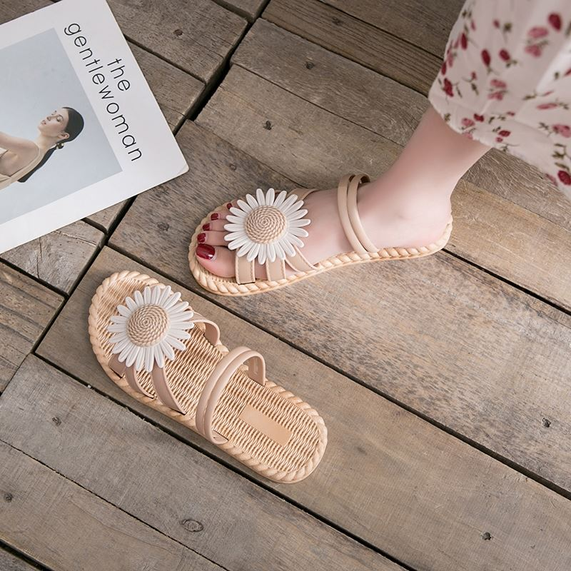 Casual student womens shoes antiskid good-looking temperament lazy shoes half drag new beach water fairy gas super fire sandals