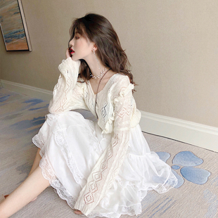 秋季新款时尚单排扣V领荷叶边针织上衣+仙女蕾丝蛋糕裙半身裙套装