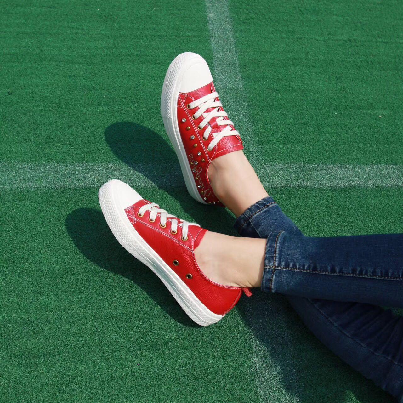 702-5尾货处理IG圆头系带平底鞋休闲鞋水钻铆钉装饰绣花女鞋板鞋