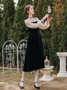 2020春装季新款复古赫本风修身显瘦丝绒连衣裙法式小黑裙年会礼服