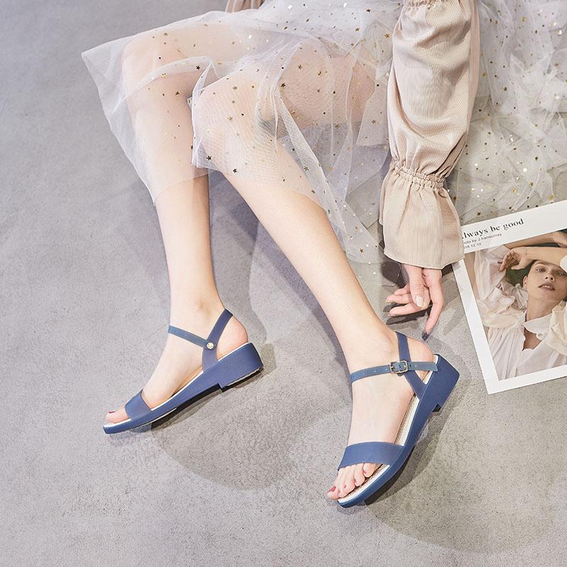 夏季新款果冻凉鞋女坡跟一字带仙女旗袍沙滩鞋时装妈妈水晶塑料鞋
