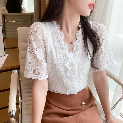 白色蕾丝衬衫女短袖2021夏季新款法式复古V领镂空上衣设计感小众                        白色蕾丝衬衫女短袖2021夏季新款法式复古V领镂空上衣设计感小众