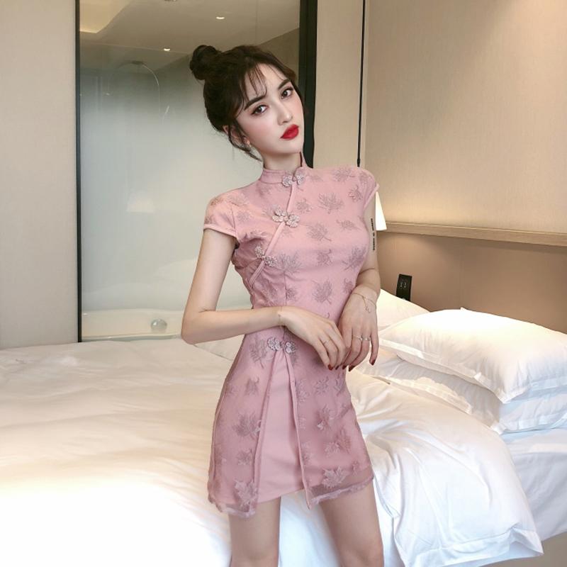 2019年流行女装复古性感修身连衣裙五折促销