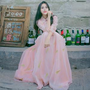 文艺复古蕾丝立领收腰喇叭袖连衣裙重工刺绣大摆仙女度假写真长裙