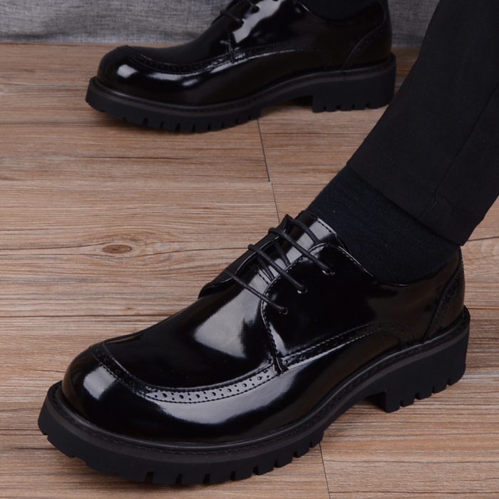 Men's versatile black patent leather big toe leather shoes business casual round head leather shoes Korean British thick soled fashionable men's shoes