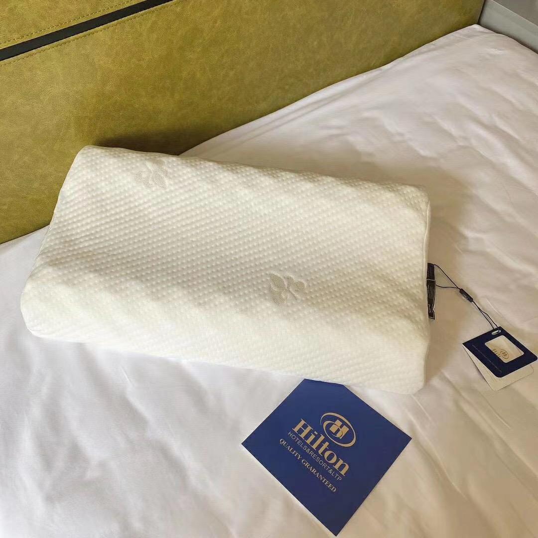 盛世希尔顿乳胶枕头舒适睡眠透气枕芯成人单人高低型护颈