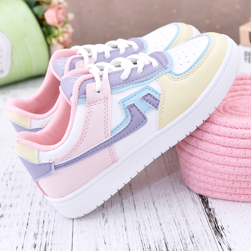女子児童運動靴2021新型春夏学生用板靴ネット紅潮ins女の子の通気性とカジュアルな子供靴