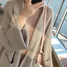 The new spring dress of 2019 is very immortal cardigan sweater jacket lady net red fashion loose foreign style knitted cardigan lady