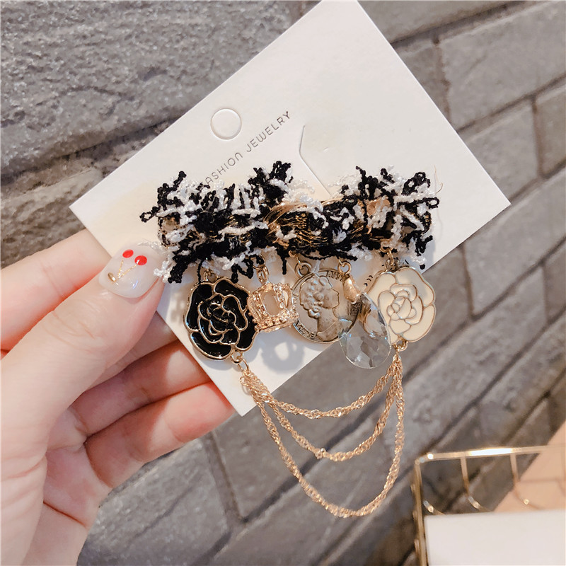 Korean Fashion Brooch accessories simple temperament fragrant wool flower geometric pin buckle jewelry