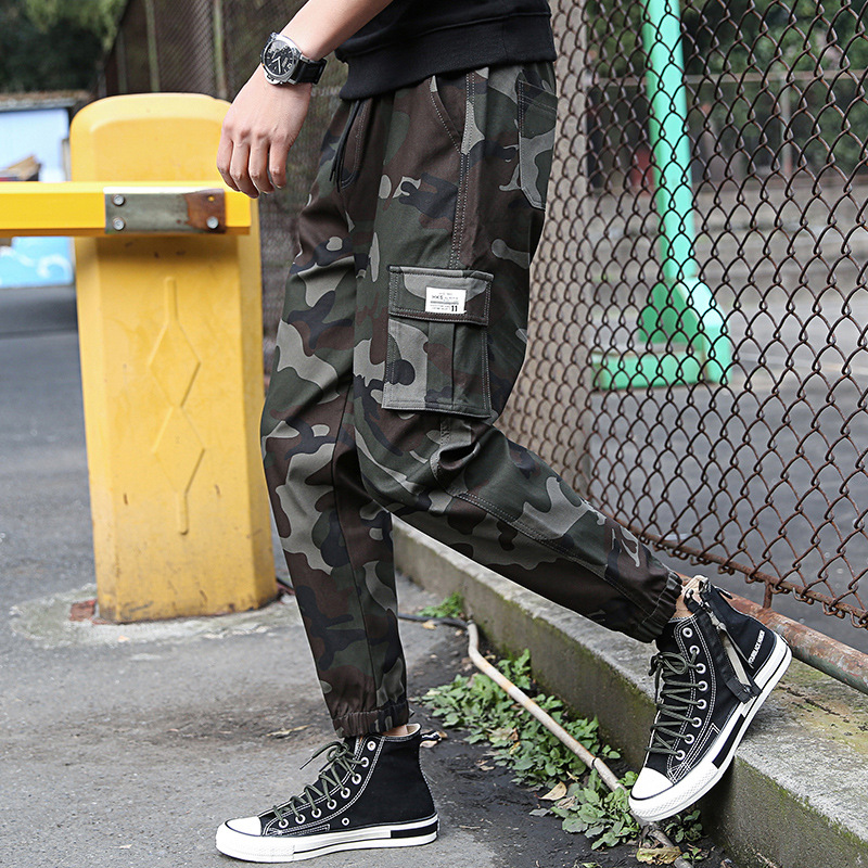 Mens camouflage overalls spring and autumn 2020 new Multi Pocket mens casual pants mens nine point loose pants