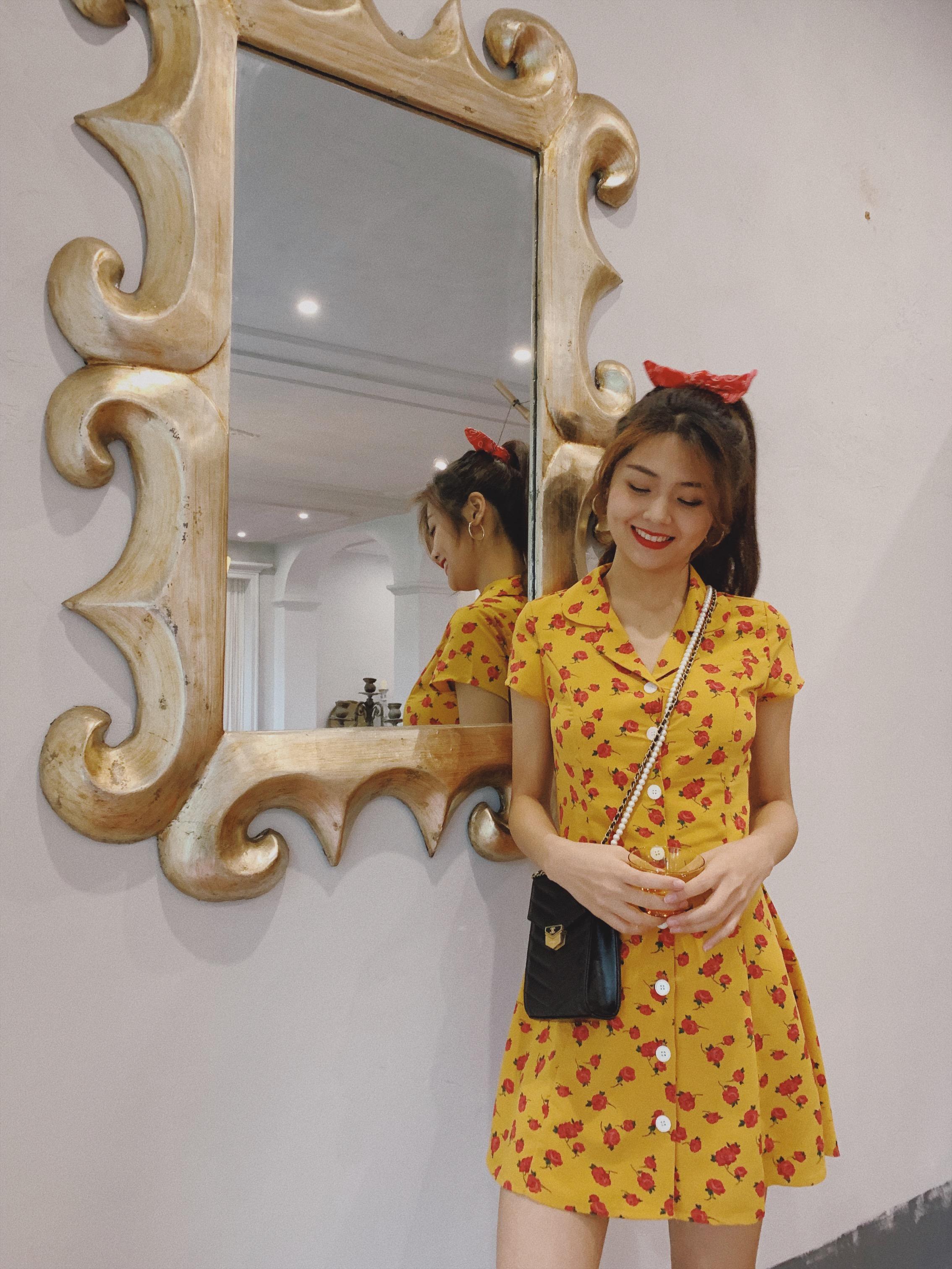 下蛋喵 19夏法国小众复古姜黄色印花70年代显瘦高腰西装领连衣裙