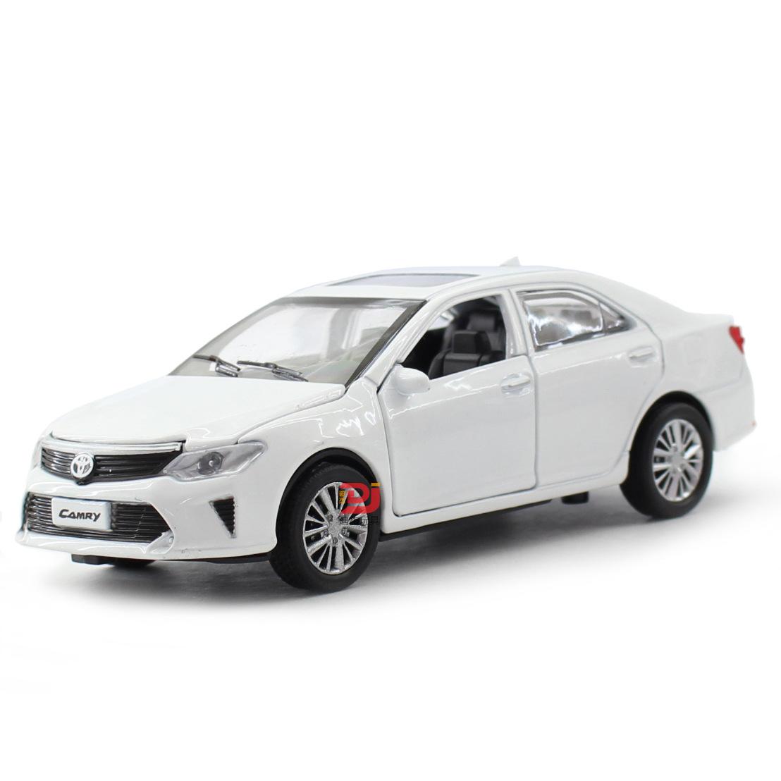 仿真1:32丰田凯美瑞合金汽车模型 儿童声光回力滑行玩具小汽车模