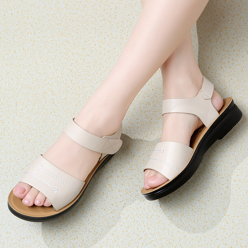 Diezhiya Sandals New Leap moon mother shoes summer comfortable soft sole middle-aged and elderly shoes leather non slip lady sandals