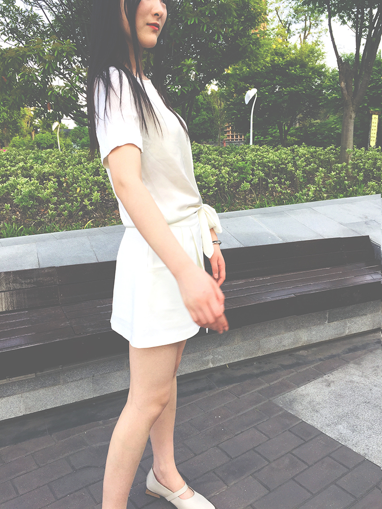 Summer 2020 shows high and thin foreign style irregular college short skirt, trousers and jacket two piece suit womens wear