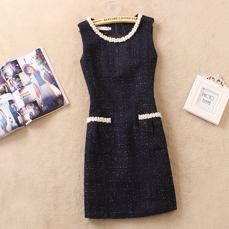 New womens clothing in autumn and winter of 2021 Korean version heavy industry pearl edge slim fitting and thin woolen cloth bottomed vest dress
