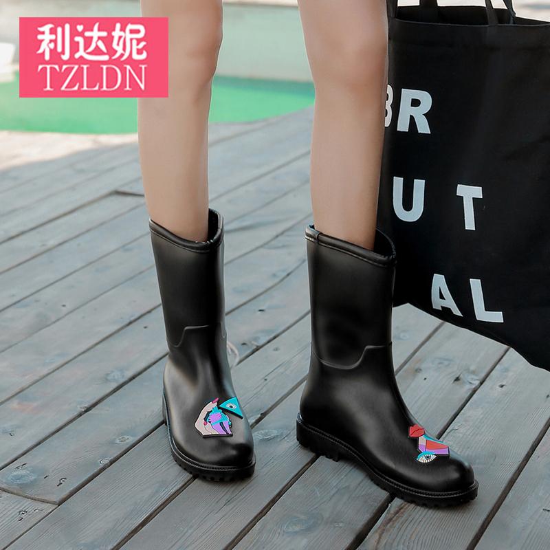 Bà ngoài trời bao gồm giày không thấm nước dày chống trượt ủng cao su silicone mềm mặc mưa khởi động Artifact bộ mùa hè nam