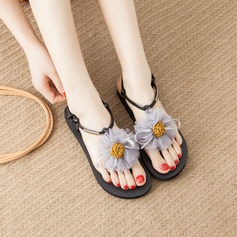 Flower sandals women summer 2020 new flat bottom Korean version versatile leisure antiskid fashion beach shoes