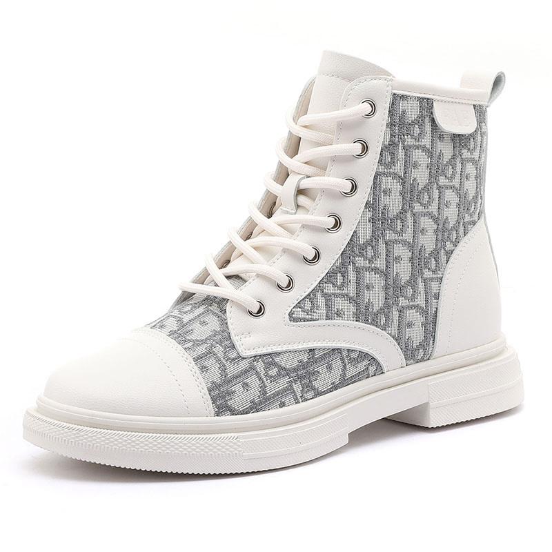 依思q2021新款厚底马丁靴女英伦风白色瘦瘦短靴女中筒切尔西靴女