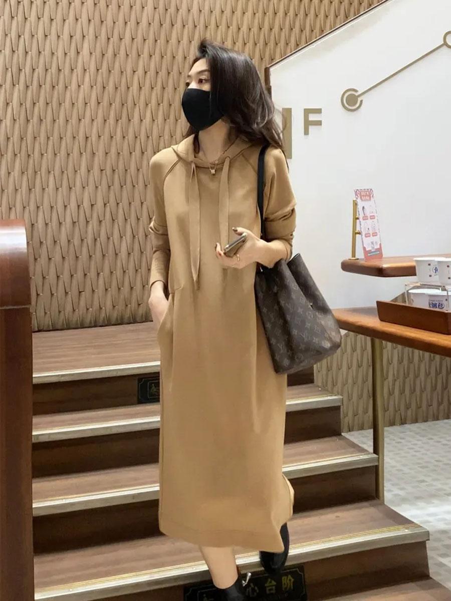 Linda姐休闲连衣裙女2021秋冬季新品连帽纯色卫衣打底中长款裙子