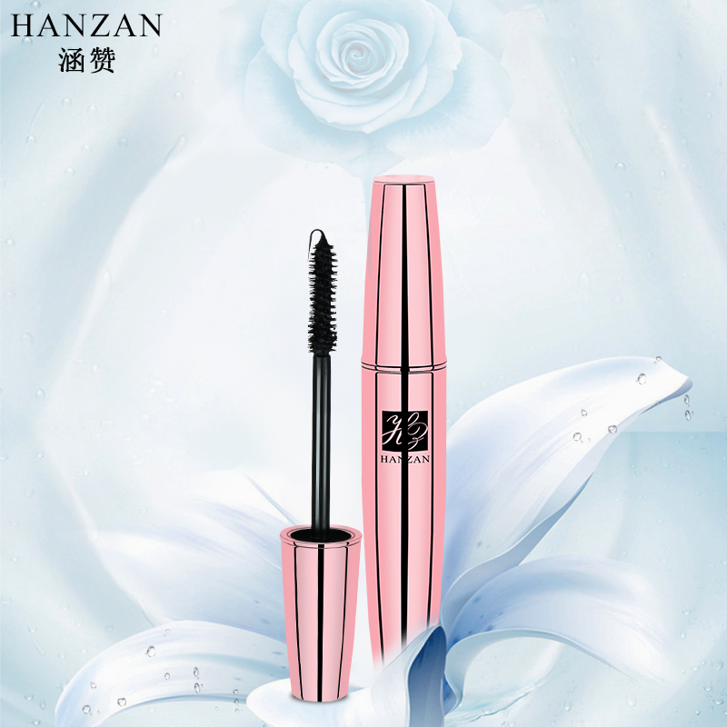 The DuPont Brush Mascara is long and natural. It is clear and lasting.