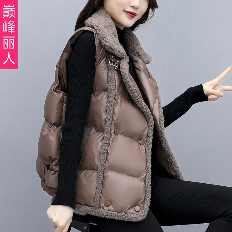 Lamb hair vest women's autumn and winter 2020 new Korean version of loose bread jacket waistcoat western style cotton vest jacket