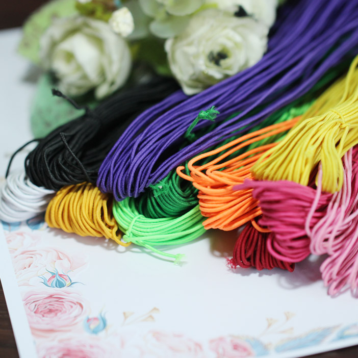 The baby uses 1 mm color elastic band, 1 yuan 3 meters, 11 colors to hand DIY Buddhist beads BJD