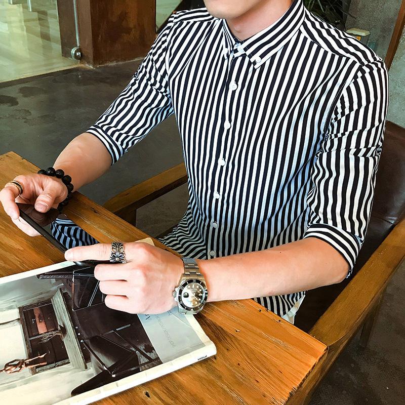 男士短袖中袖条纹衬衫男修身青少年发型师五分袖休闲衬衣学生潮白