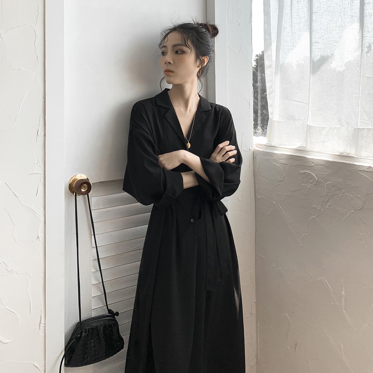 秋冬装2019年新款法式复古显瘦V领气质内搭中长款打底连衣裙子女
