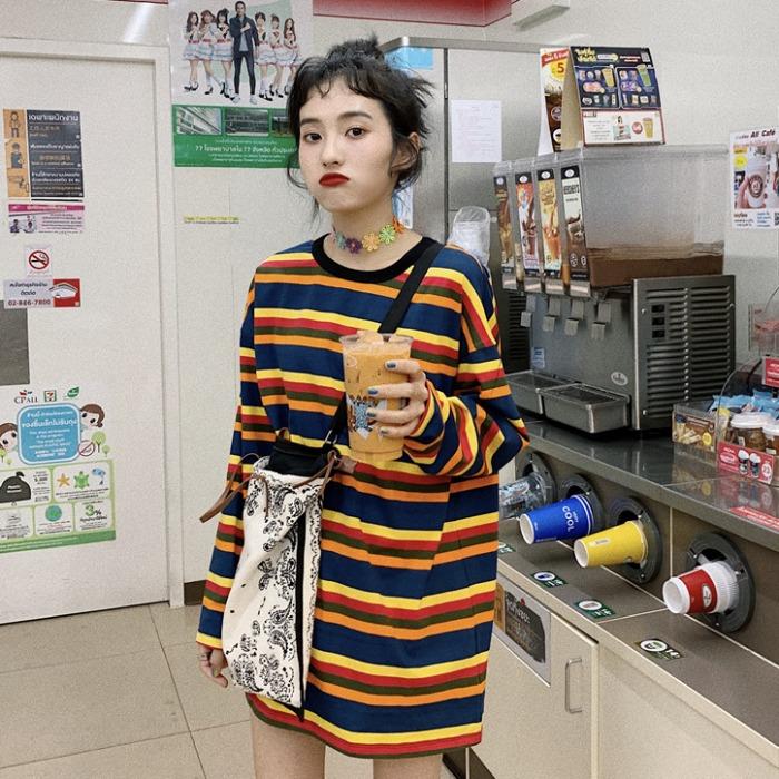 10月11日最新优惠超好看的彩虹条纹T恤夏韩版学生中长款下衣失踪拼色长袖防晒衫tee